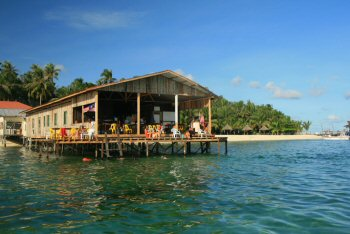 Mabul Backpackers